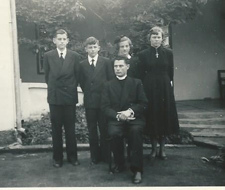Diamantene Konfirmation Reginald Niebuhr, Eduard Böhmer, Rita Freyer, Edna Klingenberg Pastor Scharlach erste Konfirmation in Lüneburg
